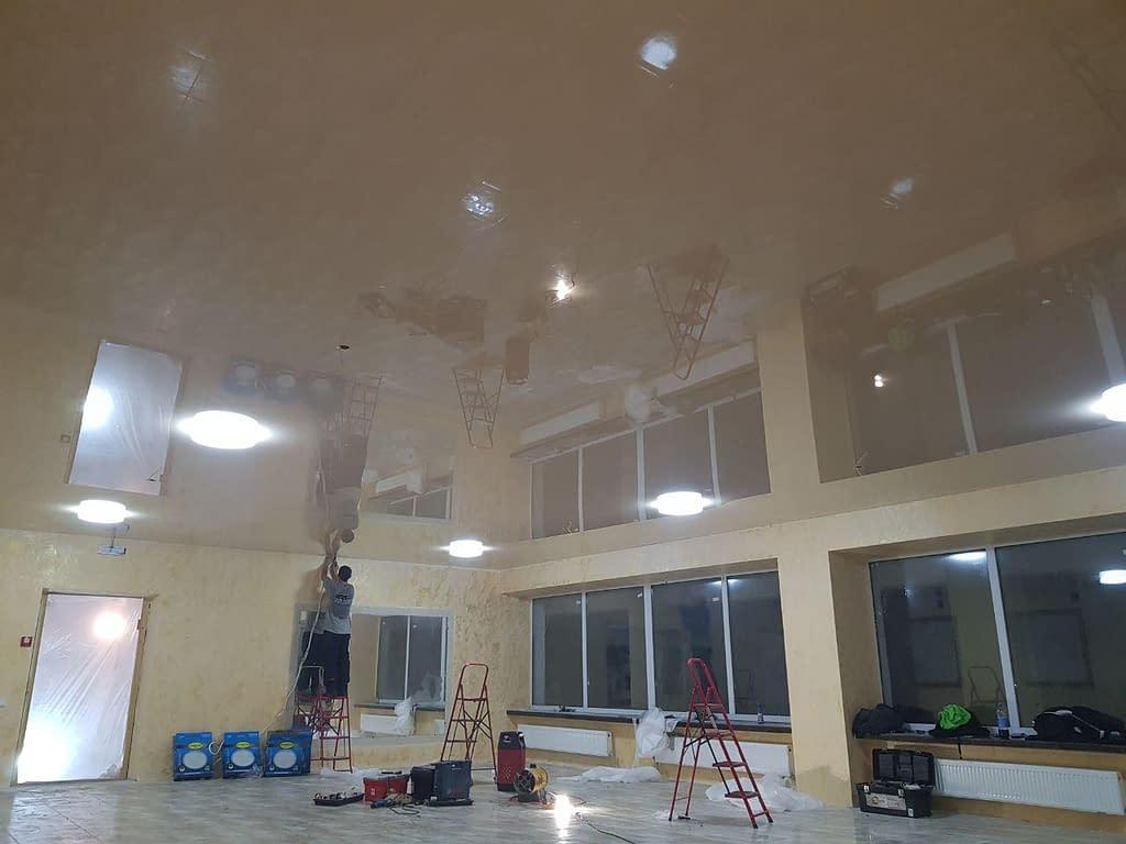 мы любим нашу столицу и готовы вам установить натяжной потолок на объектах от 60  м2